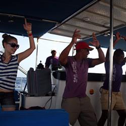 Passeios de catamarã 3